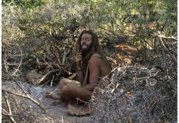 Discovery estrena <i>Supervivencia al desnudo: A Solas</i>