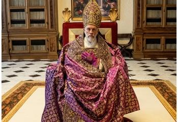 La saga <i>The New Pope</i> estrena en FOX Premium